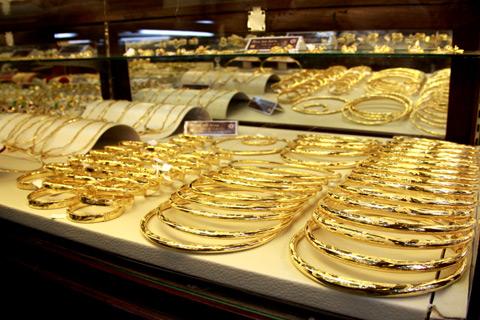 Vàng SJC tăng nhẹ, cao hơn vàng thế giới gần 3,7 triệu đồng/lượng